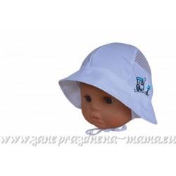 Chlapčenský biely klobúčik