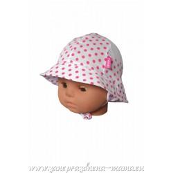 Dievčenský klobúčik s guľôčkami