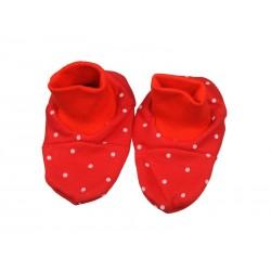 Kojenecké papučky – červená bodka